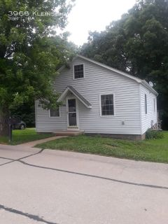 Cute 3 Bed 1 bath with Half Story in Arnold