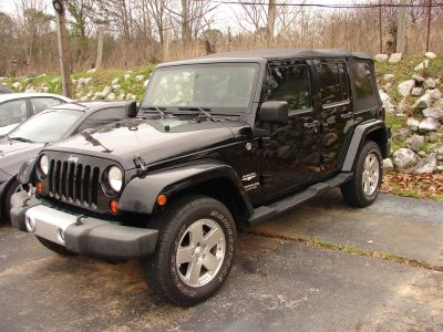 2010 Jeep Wrangler Unlimited Sahara (Black)
