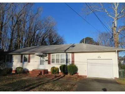3 Bed 1.5 Bath Foreclosure Property in Hampton, VA 23669 - W Little Back River Rd