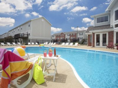Sublease for Fall 2018- Summer 2019 in 1 bed/ 1bath in a 4 bed/4.5 bath townhouse