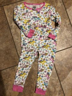 My Little Pony 2 pc. pjs Top With Matching Pants. Nice Condition. Size 4T