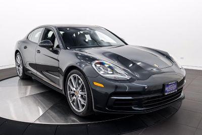 2019 Porsche Panamera Base (Volcano Grey Metallic)