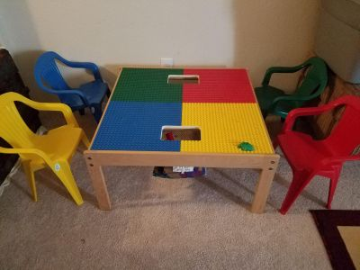 Lego table with 4 chairs