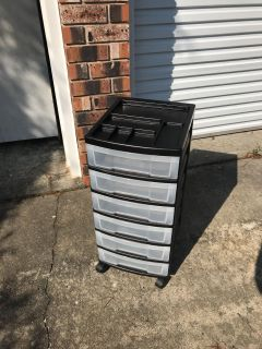 6 Drawer Craft Storage Cabinet On Wheels, Plastic, Like New Condition & CLEAN!