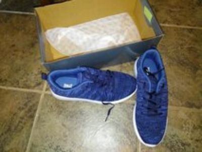Brand new tenis shoes size 8