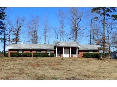 3 Bed 2 Bath Preforeclosure Property in Gurdon, AR 71743 - Highway 67 S