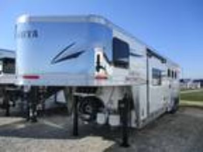 2019 Lakota Trailers 8311 Charger Slide Out 3 horses