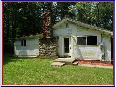 2 Bed 1 Bath Foreclosure Property in Colchester, CT 06415 - Brainard Rd