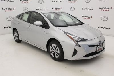 2018 Toyota Prius Two (Classic Silver)