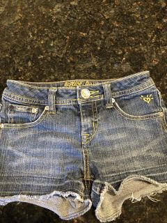 Girls justice brand size 10 jean shorts. Excellent condition. SF. $3