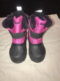 Like new! Size 5t winter boots