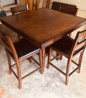 Kitchen/Dining Bar Height Table with 4 chairs 40 x40
