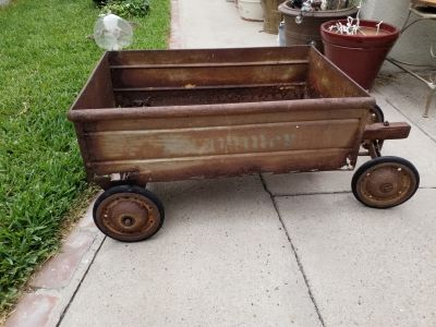 VINTAGE IRON/METAL WAGON GARDEN ART