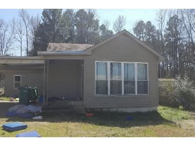 2 Bath Preforeclosure Property in Little Rock, AR 72206 - E Dixon Rd