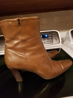Size 8 brown boots