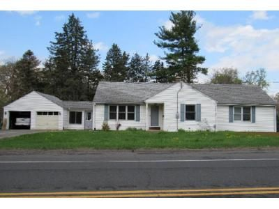 3 Bed 1.5 Bath Foreclosure Property in Enfield, CT 06082 - South Rd