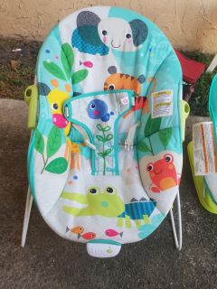 Baby seat with music