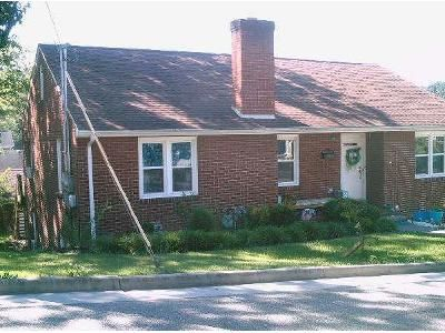 3 Bed 2 Bath Foreclosure Property in Marion, VA 24354 - College St