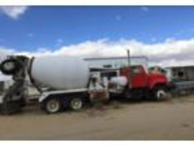 1985 International 4700-Concrete-Truck- Truck in Rosamond, CA