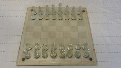 Chess set, clear and frosted pieces