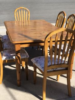 8 Seat Pine Table