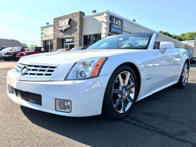 2008 Cadillac XLR Base (White)