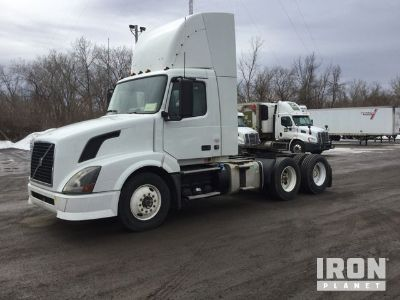 2012 Volvo VNL T/A Day Cab Truck Tractor