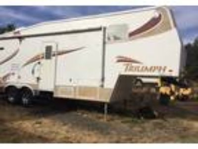 2003 Triumph M-30-5J 5th Wheel in Moraga, CA