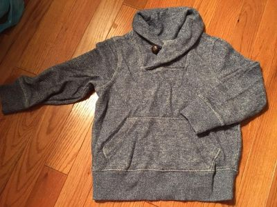 Old Navy collared pullover - GUC. 3T