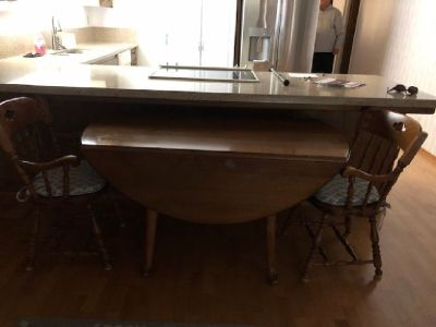 Maple Drop Leaf Dining Room Table and 4 chairs