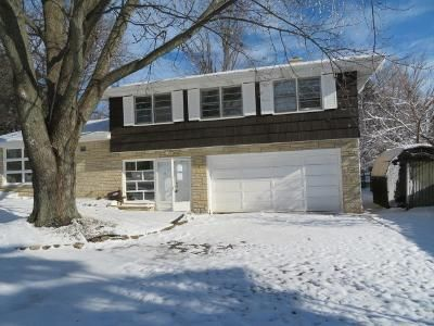 4 Bed 4 Bath Foreclosure Property in Waukegan, IL 60087 - N Mcaree Rd