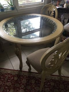 Round table and Cabinet