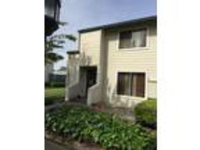 Newly Remodeled Three BR/Two BA Town House in Union City