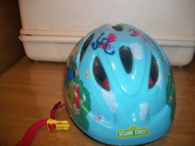 #7000 SESAME STREET KIDS BICYCLE HELMET