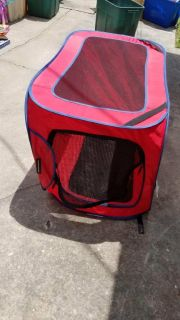 Boots and Barkley collapsible softsided dog crate