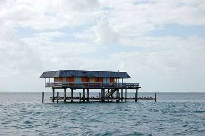 houses for rent in water at arroyo city