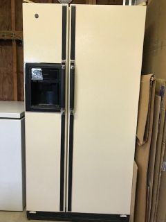 FRIGIDAIRE REFRIGERATOR FRENCH DOOR
