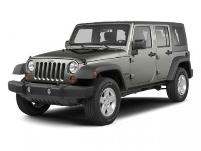 2013 Jeep Wrangler Unlimited Sahara (Bright White)