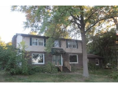 4 Bed 2.5 Bath Foreclosure Property in Springfield, IL 62712 - Pine Cv