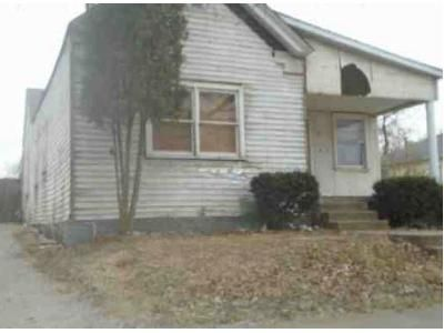 2 Bed 1 Bath Foreclosure Property in New Albany, IN 47150 - W 7th St