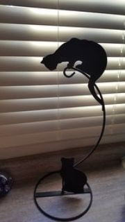 DECORATIVE CAT STAND