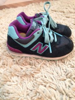 New Balance size 6.5 toddler shoes
