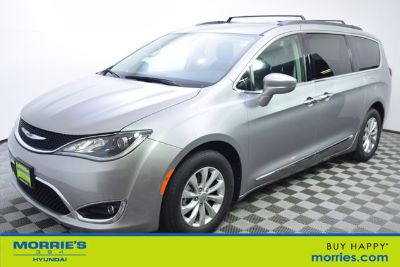 2017 Chrysler Town & Country Touring ()