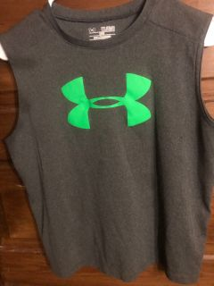 Under Armour Grey Child s Size Youth XL Heat Gear Top $8