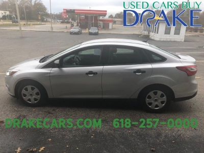 2013 Ford Focus S (Silver)