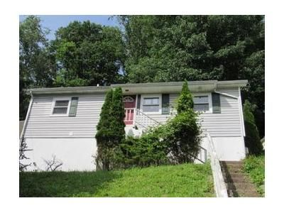 3 Bed 1 Bath Foreclosure Property in Charleston, WV 25314 - Ashwood Rd