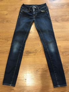 Size 0 American Eagle skinny jeans