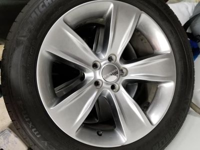 """18"""" Michelin tires and rims"""