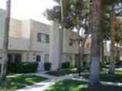 Condo Gated Community With Comm Pool Southeast