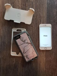 iPhone 6s Rose gold 16GB and otterbox case